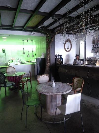 vestigious-lisbon-restaurant-nov-16-tagus-river-vintage-decor