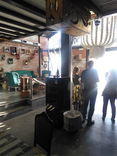 vestigious-lisbon-restaurant-nov-16-tagus-river-vintage-furniture