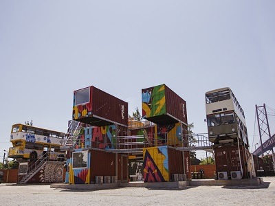 village-underground-lisbon-dubble-decker-buses-and-containers-3
